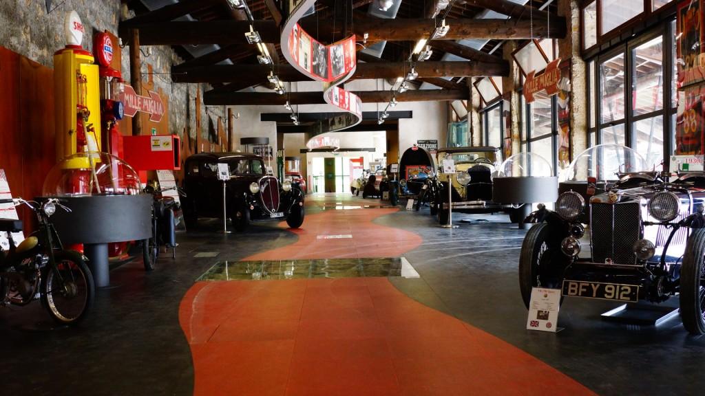 To miejsce oddycha samochodami pełną piersią, każdy eksponat to kawał wielkiej historii i inspiracja dla obecnych.